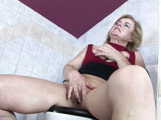 no wonder grandma's so long in the toilet!