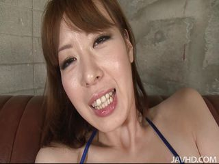 asian slut makes her pussy wet