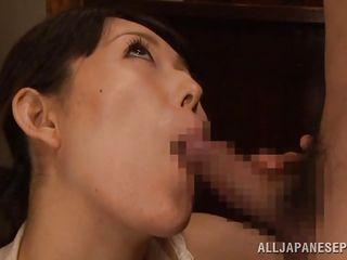 mature whore licks it good