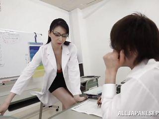 hitomi licks her student's underwear