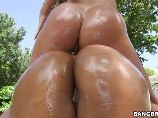 sexy chicks show off their oiled asses