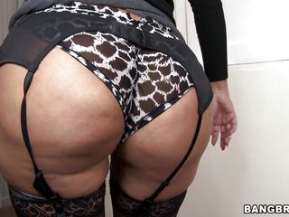 big booty mom
