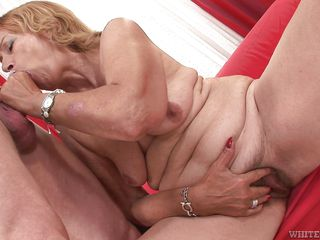 slutty granny got hooked @ i wanna cum inside your grandma #07
