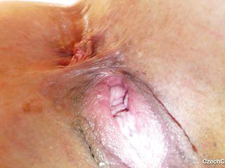cougar gapes her juicy saggy cunt and masturbates