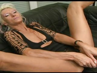 hot gilf masturbating then gives head