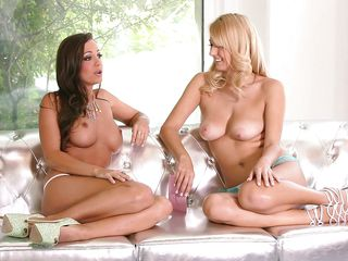 two babes have a slutty cards game