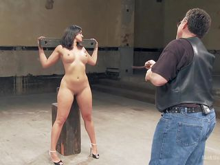 pleasure and pain for her curves @ the singletail whip