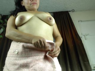 vilma shows of her natural boobs