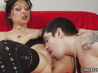 mature cunt gets her pussy licked and fucked