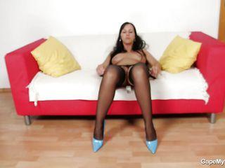 sexy nikki got her pussy gaped