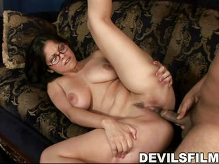 busty chick likes sucking a dick @ jon and kate fuck eight