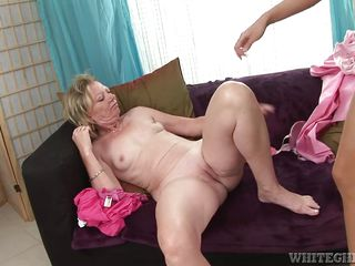 terra sweet has some sexy time with granny @ my grandmas a lesbian #02