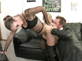 sexy milf amber is a lusty player