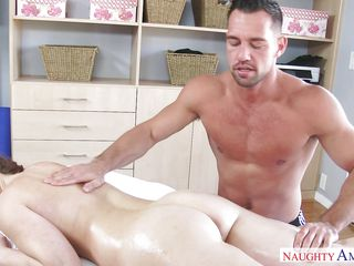 busty beauty was fingered during massage