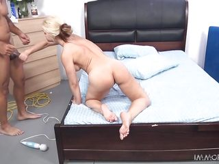 milf sarah vandella takes a big dick with a smile on her face