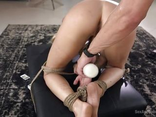 dom pleases his slave