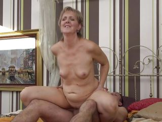 smoking hot cougar rides a juicy cock