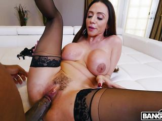 colombian milf in stockings enjoying a hardcore interracial