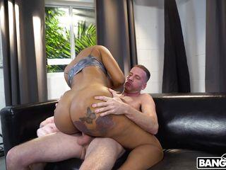 ebony milf fell in love with white dick