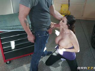 big tit latina enjoying a hardcore in the garage