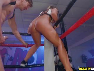 wrestling beauty shows off her big natural tits in the ring