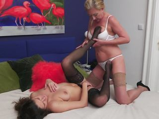 busty mature satisfies her new lover