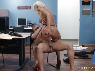 brittany andrews seduced her boss and fucked him